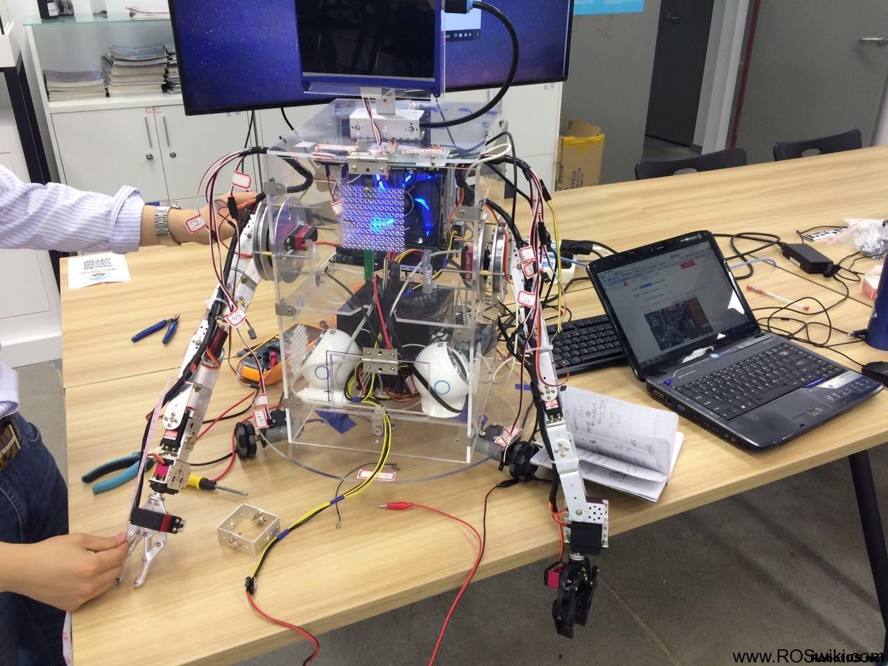 基于ROS制作的二代YoYo机器人新鲜出炉